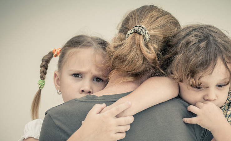Sozialpädagogin, 34 Jahre, 4 Kinder, regelmäßig unauffällige Vorsorge, plötzlich Gebärmutterhalskrebs, metastasiert und nicht mehr heilbar.